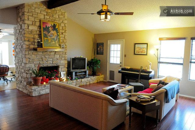 Spacious, serene domestic for SXSW in Austin - Serene Home