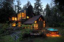 Mendocino Redwood Retreat / Hot Tub