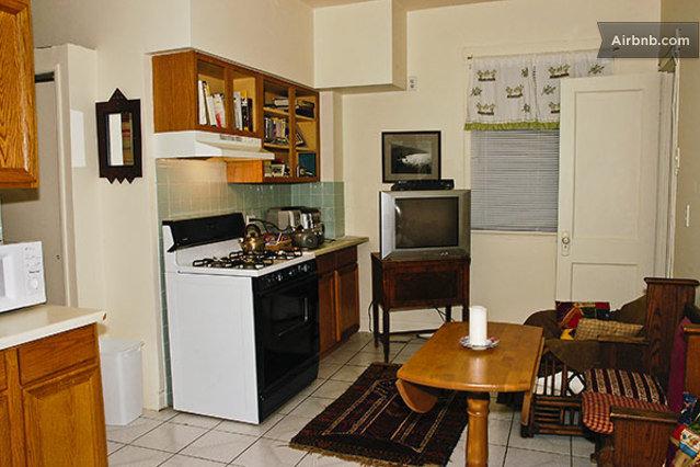 Tiny Studio Apartment 94 Walk Score In Chicago