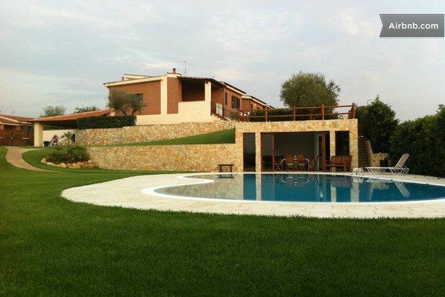Dependance in villa con piscina a roma - Villa con piscina roma ...