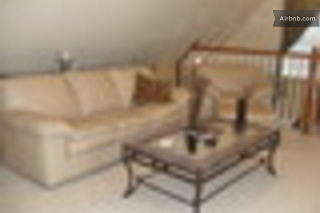 Miniatura de Honey Farm Bed & Breakfast (Katy) $85