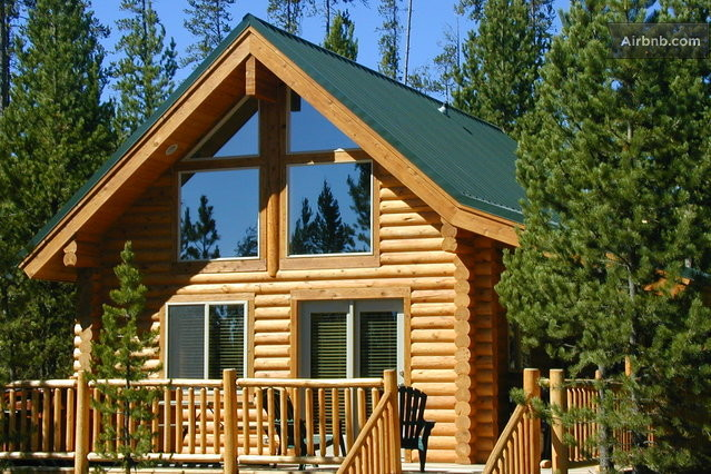 one bedroom cabin with loft in island park